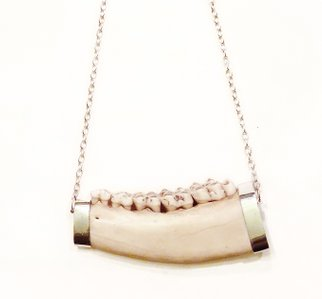 Teeth necklace in silver